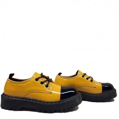 Batai su raišteliais 2