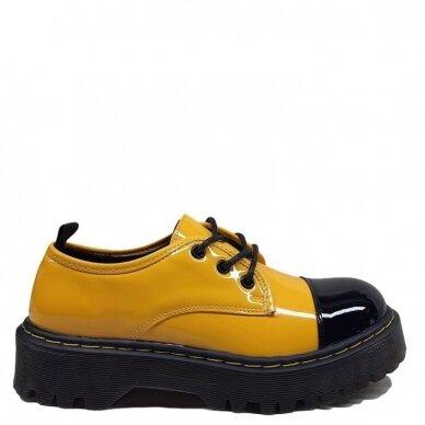 Batai su raišteliais 3