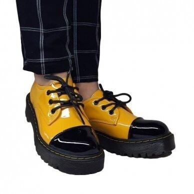 Batai su raišteliais 5