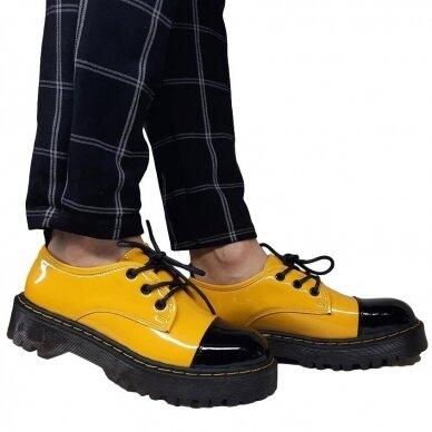 Batai su raišteliais 6
